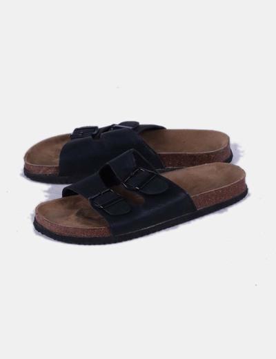 Sandalia plana destalonada negra NoName