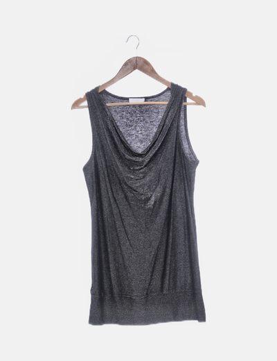 Camiseta larga negra con glitter