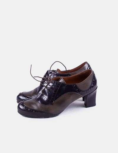 Zapato de tacón combinado marrón