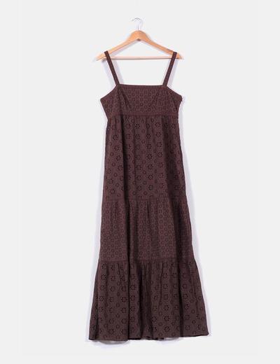 Maxi vestido de tirantes en crochet marrón Cortefiel