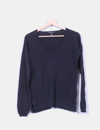 Jersey negro básico cuello pico Mango
