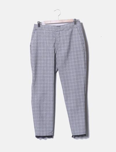 Pantalón chino de cuadros detalle encaje Zara