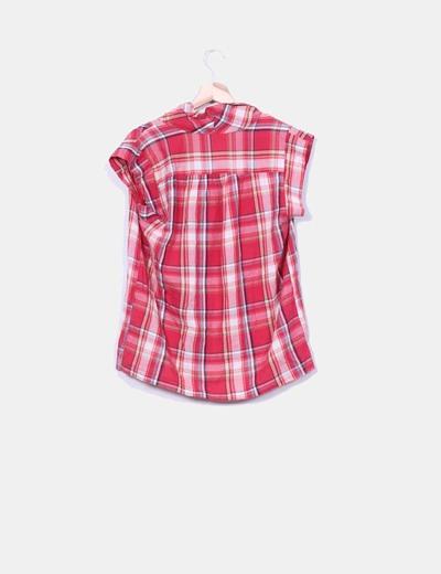 Blusa de cuadros rojos