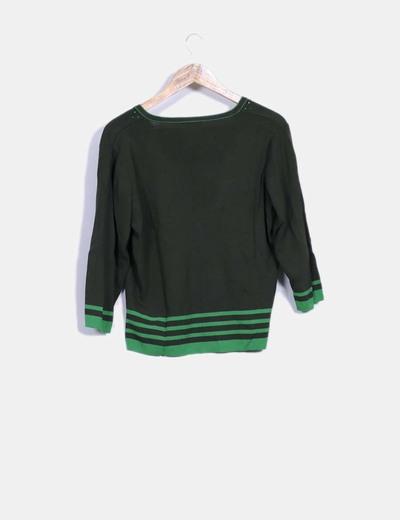 Top tricot verde con pedreria
