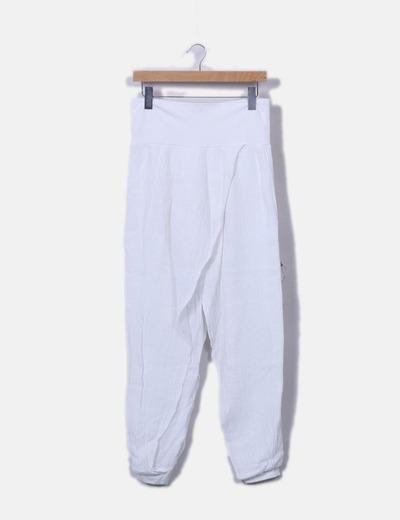 Pantalón blanco baggy