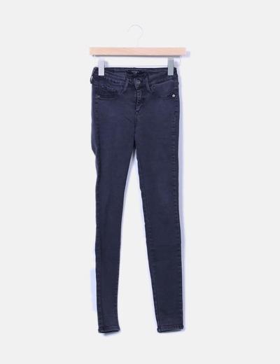 Jeans negros pitillo Tiffosi