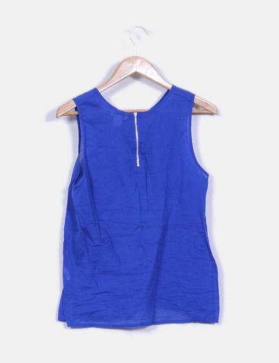 Blusa azul klein con bordados