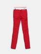 Pantalón denim rojo Stradivarius