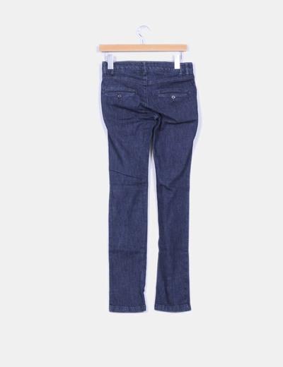 Pantalon demin oscuro corte chino