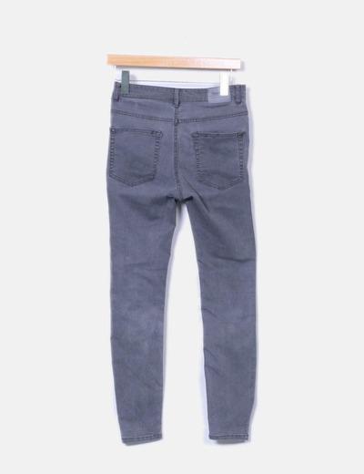 Pantalon pitillo gris