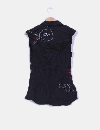 Camisa negra print drapeada