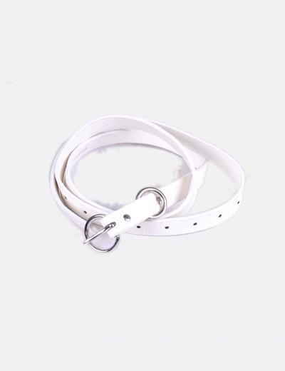 Cinturón fino blanco Zara