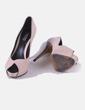 Zapato de tacón beige Zara