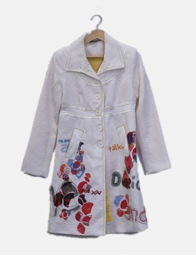 Abrigo largo texturizado blanco