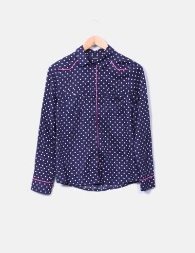 Camisa azul marino con topos