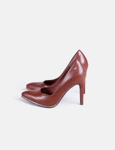 Zapatos marrones con tacón Xti