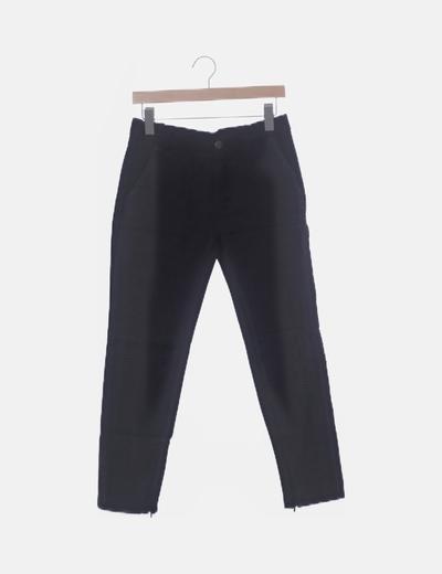 Pantalón pitillo negro combinado texturizado