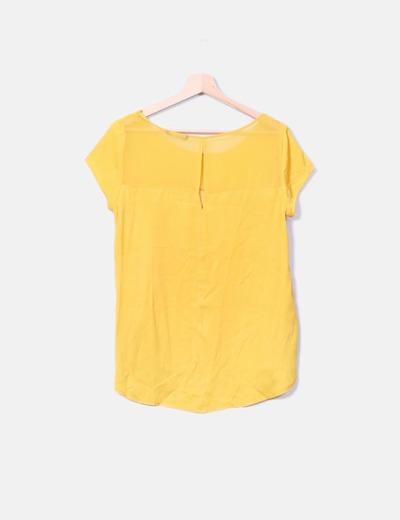 Blusa amarilla combinada