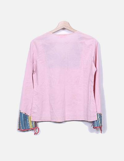 Blusa rosa con abalorios