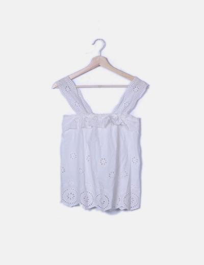 Blusa blanca tirantes con troquelado