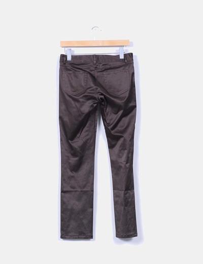 Pantalon marron satinado