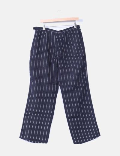 Pantalon negro con linea blanca