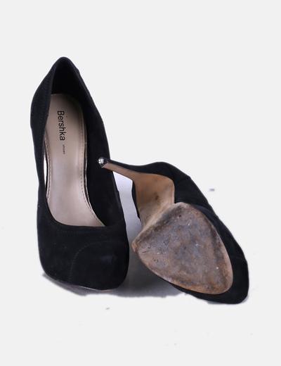 Zapato negro texturizado