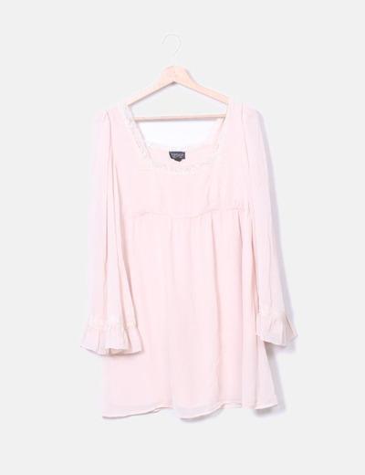 Vestido rosa palo con encaje