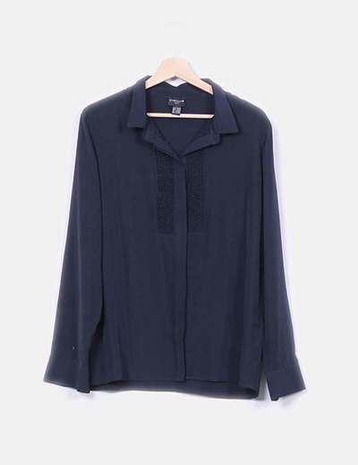 Blusa negra de manga larga detalle troquelado Cyrillus