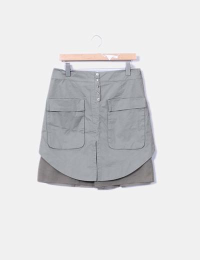 Falda verde combinada con bolsillos y botones Hoss Intropia