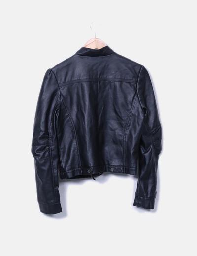 Chaqueta biker negra bolsillos
