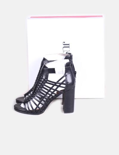 Sandalias tiras negras