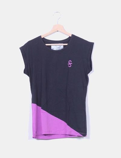Camiseta deportiva negra y morada SIROKO