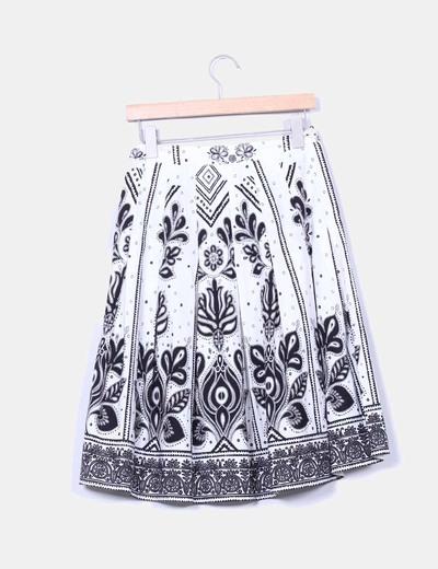 Falda midi tablas blanca y negra