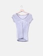 Camiseta gris con strass Guess