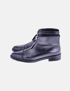 2a6be5644 Botín negro cremallera Zara