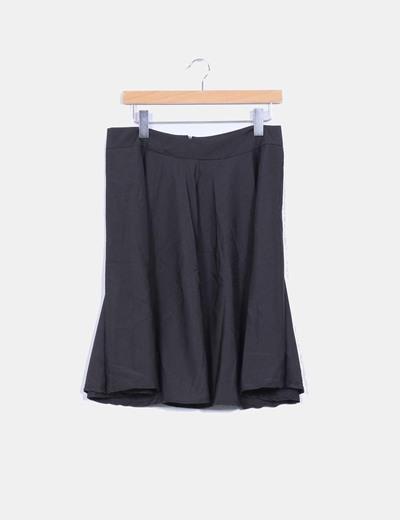 Falda negra con vuelo NoName