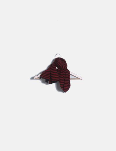 Bufanda roja de rayas