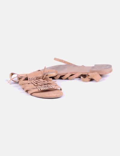 Sandalias planas con flecos