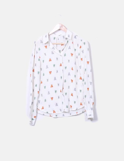Camisa blanca print polillas