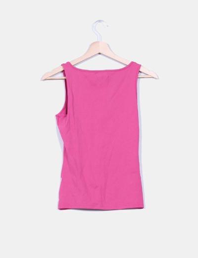 Camiseta basica rosa detalle fruncido escote