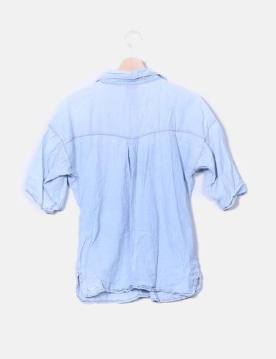 Camisa denim con bolsillos