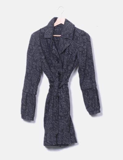 Abrigo negro print gris
