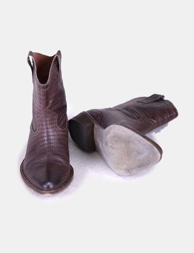 Botines cowboy marron texturizado