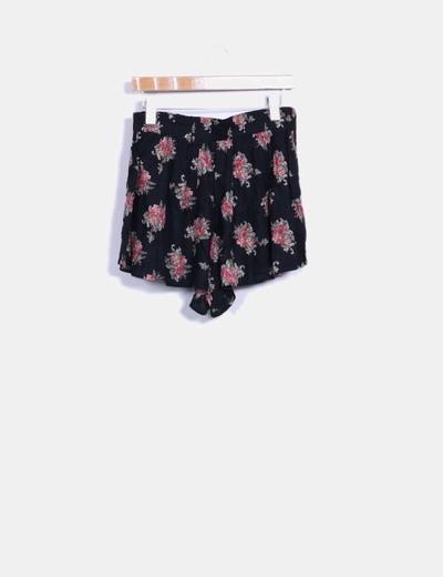 5a636b690 Lefties Falda pantalón negra floreada (descuento 75%) - Micolet