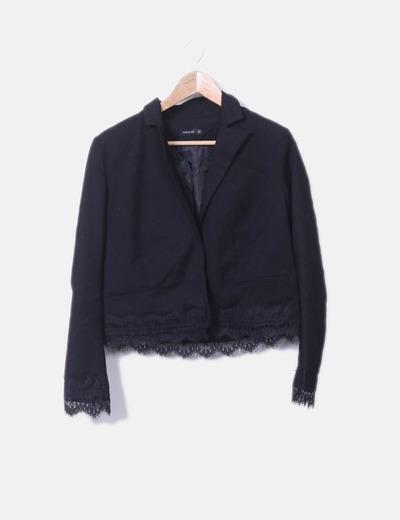 Blazer negra combinada crochet Reserved