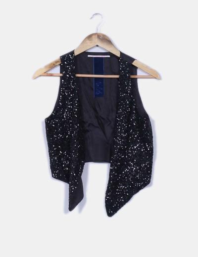 Chaleco negro combinado con paillettes Nolita