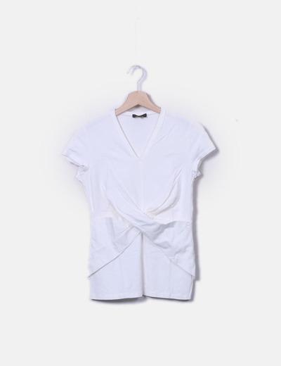 Camiseta blanca cruzada