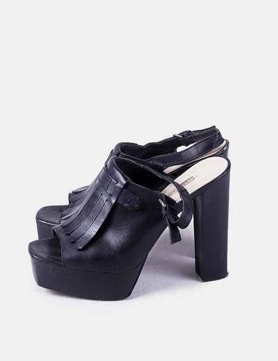 Botines destalonados negros con flecos Zara