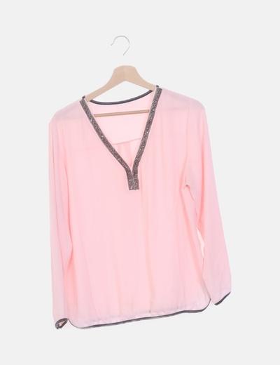 Blusa fluida rosa con strass